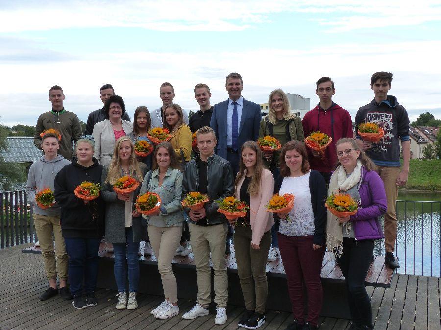 Stadt Remseck am Neckar: Begrüßung der neuen Auszubildenden, FSJ und BFD
