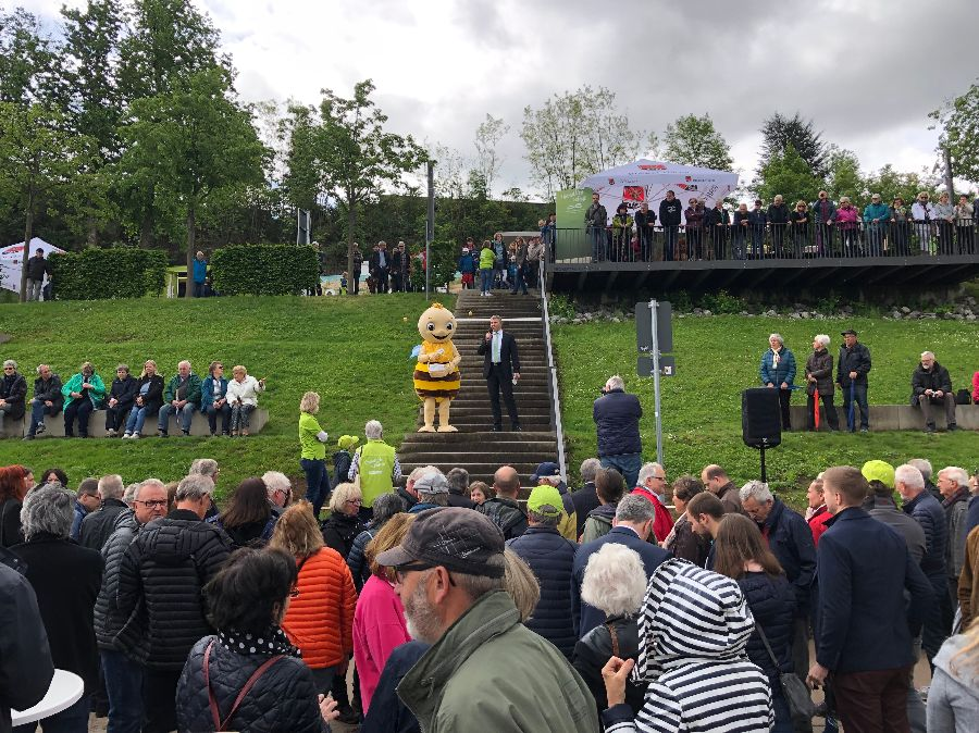 Zahlreich nahm die Bevölkerung an der Eröffnung der Remstal Gartenschau 2019 in Remseck am Neckar teil. | Foto: Stadt Remseck am Neckar