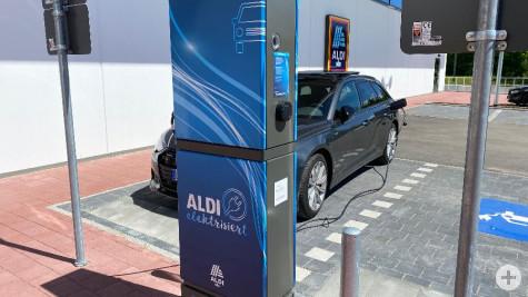Neueröffnung ALDI in Aldingen: Während des Einkaufens können Elektrofahrzeuge maximal eine Stunde geladen werden