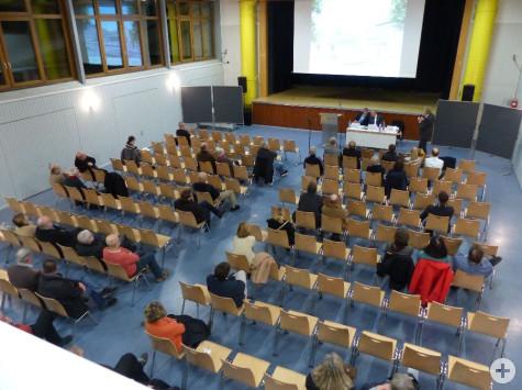 Nur sehr wenige Remseckerinnen und Remsecker nahmen an der Einwohnerversammlung teil. Foto: Stadt Remseck am Neckar