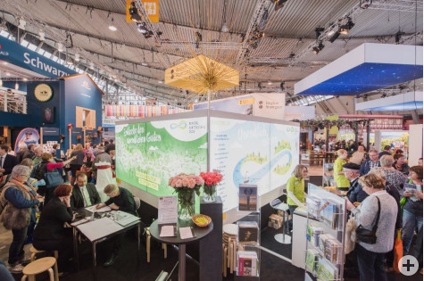 Am Messestand der Remstal Gartenschau 2019 ist auch Remseck am Neckar auf der CMT 2018 vertreten. Foto: Bebop media / Remstal Gartenschau 2019 GmbH